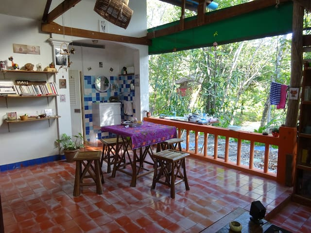 Spacious flat closed to the beach - Ko Chang - Appartement