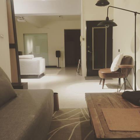 Lovelii 捷運輔大站  開放式空間一房一廳一廚一衛 歡迎租借空間 - 新莊區