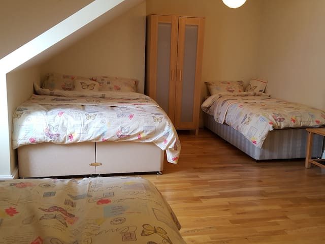 1 Double bed +  2 single beds - Chatham,  - Leilighet