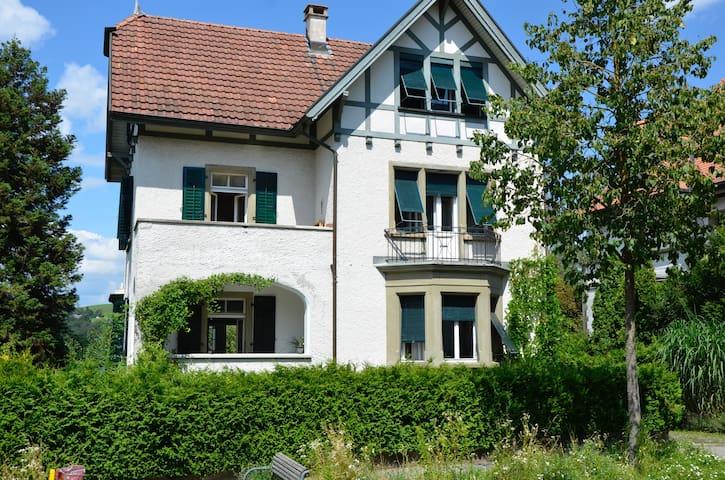 Charming Villa in the heart of Switzerland - Burgdorf - Apartamento