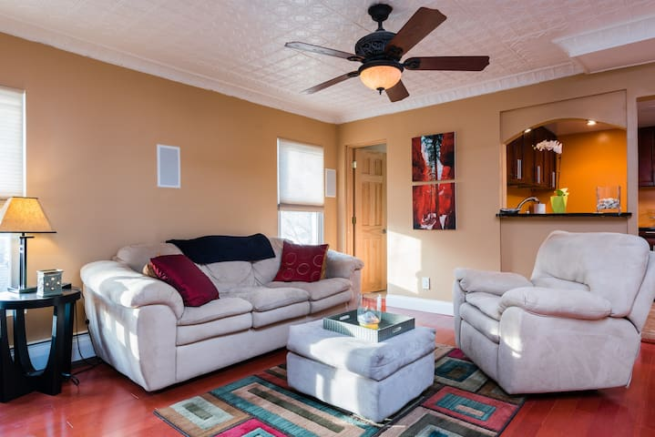 Beautiful unit with modern finishes - Troy - Apartament