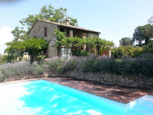 Villa Colomba, Perugia, Umbria - Villanova - Villa