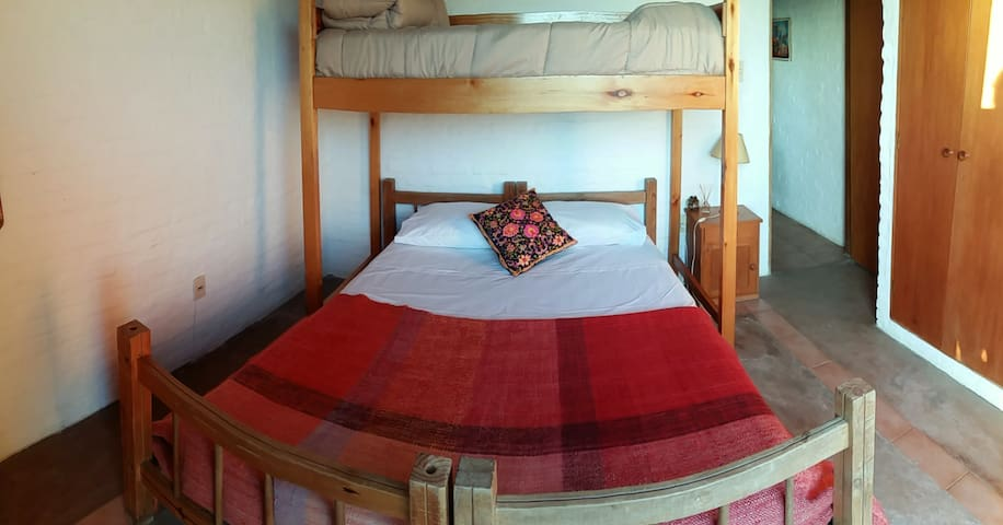 Sunny double room overlooking ocean - La Paloma - Bed & Breakfast