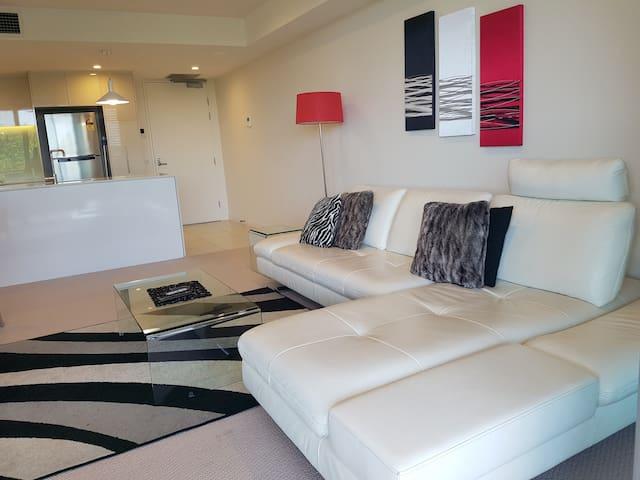 City Fringe Exec 2 bedroom apartment with ensuite - Reid - Apartament