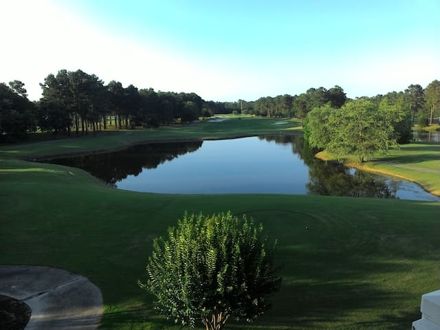 Relaxing Golf Course View - Calabash - 公寓