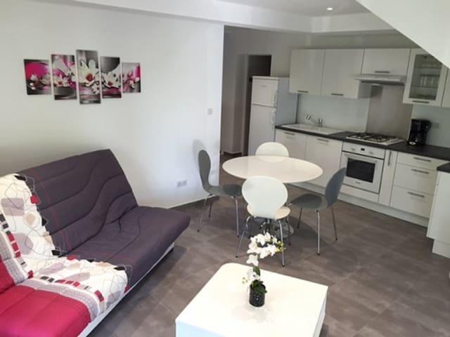T2 neuf 45 m2 entre mer et montagne - Vero - Lägenhet