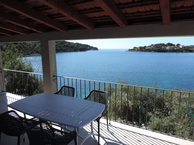 Modern luxury - brand new seafront apartment - Lastovo - Leilighet