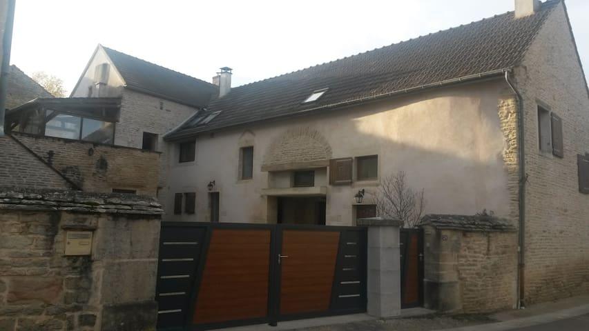 B&B La Maison du Général - Marey-lès-Fussey - Ev