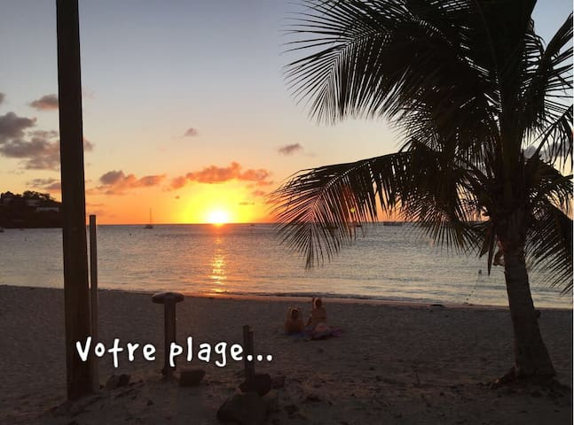-20% for a month,30m2 on the beach with Swim Pool. - Les Trois-Îlets - Appartement