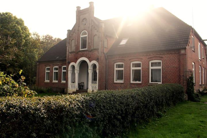 Urlaub im historischen Bauernhaus - Tating - Appartement