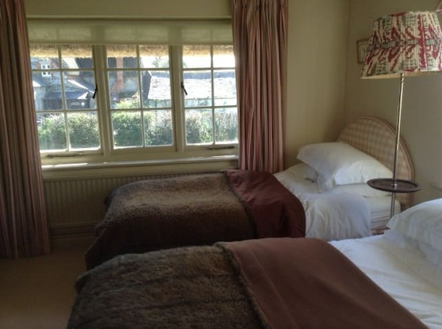 BOX COTTAGE - Wilcot - Bed & Breakfast
