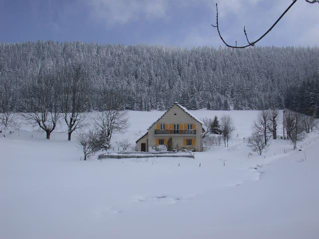 ferme ancienne du Vercors, calme - Villard-de-Lans
