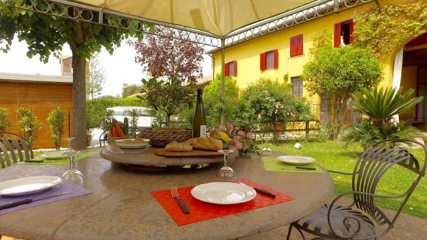 Casa Olla - Stupendo Rustico del '600 - Pisa - Byt