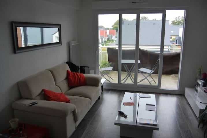 Appartement T2 2ème étage, 42m2 - Plescop - Lägenhet