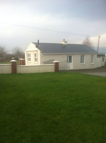 Private detached appartment 2bed. - Firies - Daire