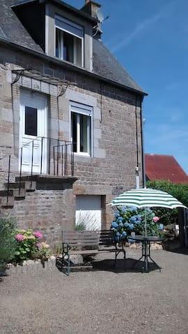 Mesnil Cottage - Calvados - Ev