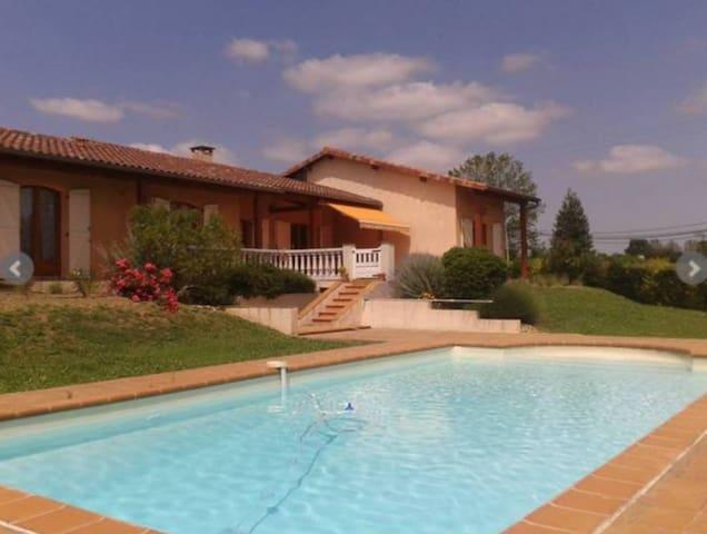 Luxurious Maison in Midi-Pyrenees - Saint-Ybars - Villa
