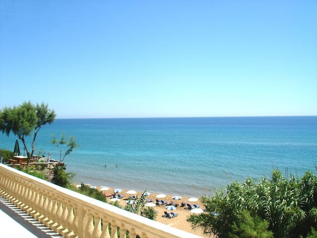 Pelagos Beachfront studio / Apartments - Agios Georgios - Departamento