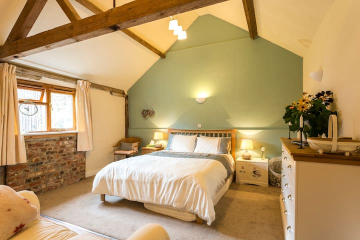 Spring in the New Forest? Character barn awaits! - Ringwood - Appartement