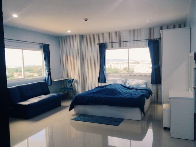 ChonBuri fully-furnished Apartment - Ampoe Moeng - Lyxvåning
