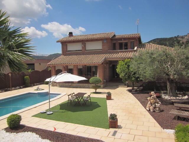 Casa tranquila en plena naturaleza - Corbera de Llobregat