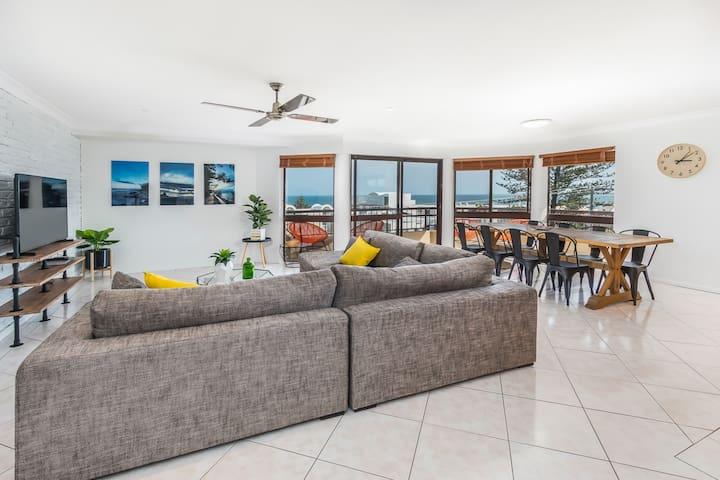 Stunning Ocean Views BEST location - Caloundra - Lägenhet