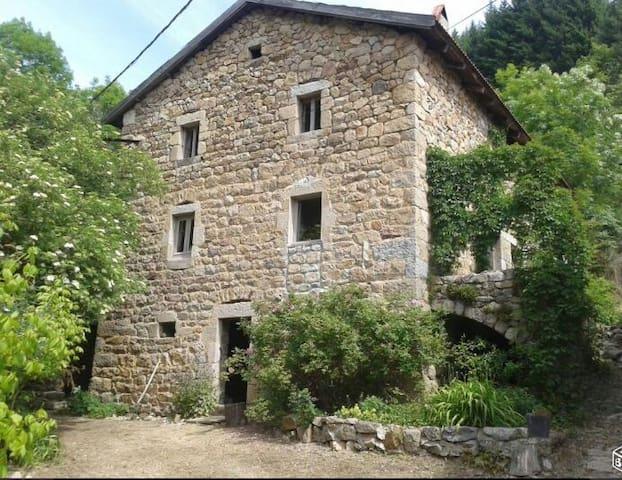 GITE FERME ARDECHOISE VALLEE de  l EYRIEUX - Saint-Martin-de-Valamas - Rumah