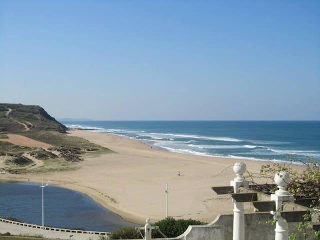 Areia Branca Beach Hostel - Quirky Double - Lourinhã - Ev