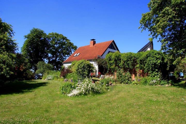 Schönes Haus und schöner Garten - Langhagen
