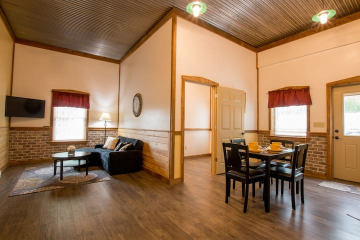 """Abner's Pond Side Retreat """"A"""" - Oneonta - Appartement"""