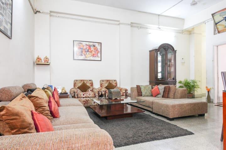 Deluxe Cosy Suite in City Center - Kalkutta - Talo