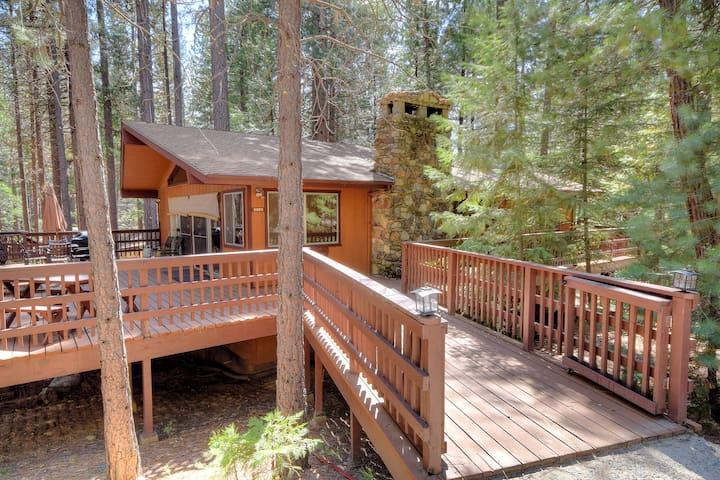 Yosemite's Papa Bear Cabin, wifi! - Wawona
