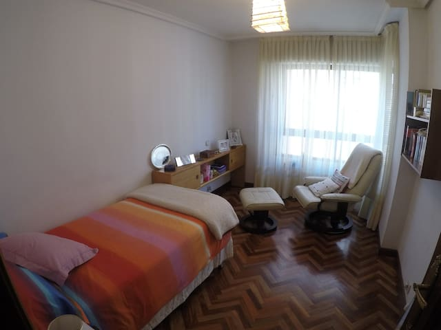 Bedroom and bathroom, in flat with private garage - Palencia