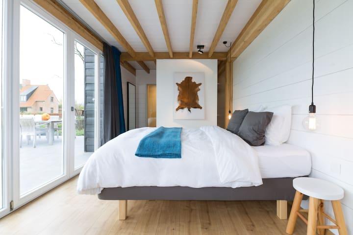 B&B ART luxurious and comfortable - Zedelgem - Bed & Breakfast