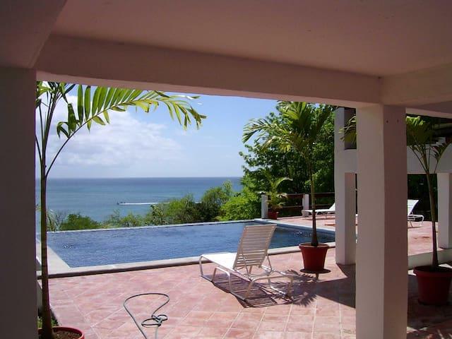 St Lucia Oceanfront Villa & Pool - Gros Islet - Ev