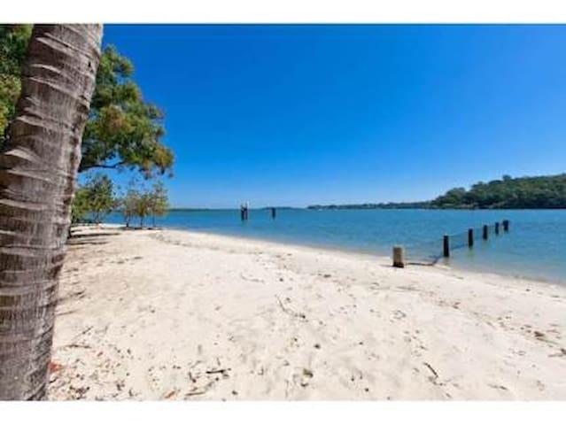 Brisbane Waterfront  Home on a Peacefull Island . - Karragarra Island - Hus