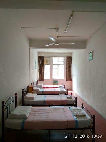 Dorm Room (Adults Only) - Bandar Seri Begawan - Hostel