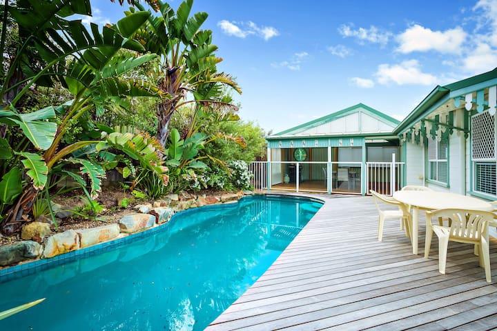 'SEACREST'- luxury home with pool - Tura Beach - Dům