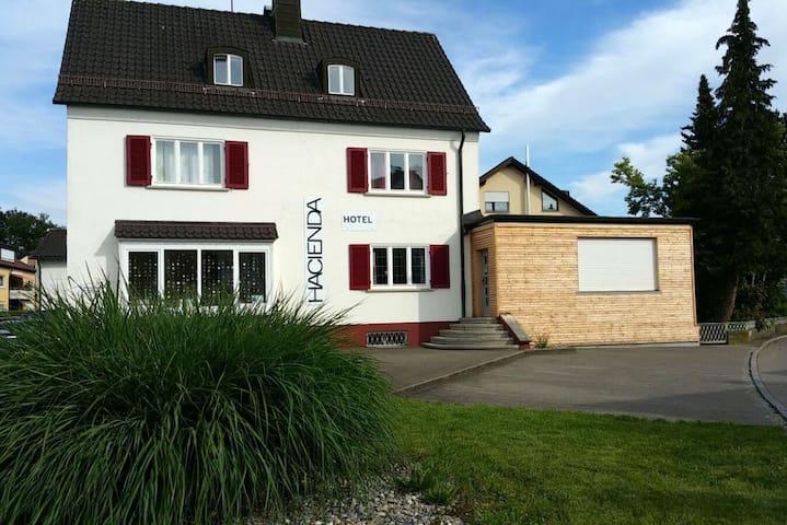 Hacienda B&B Appartment für 6 - Friedrichshafen - Bed & Breakfast