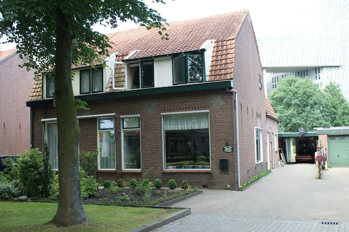 """Overnachten in Zwolle bij B&B """"Het Beukenhofje"""" - Zwolle - Bed & Breakfast"""