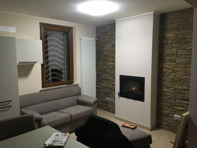 Casa indipendente moderna e dai mille confort - Vigatto - Haus