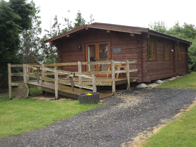 Foxglove Lodge at Avonvale Holiday Lodges - Worcestershire - Houten huisje