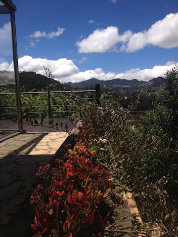 Fabulosa casa en la montaña muy cerca de Bogota - Bogotá - Vakantiewoning