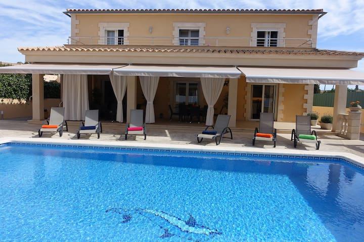 Traumhafte Luxusvilla in Sa Coma für 10 Personen - Sa Coma - Villa