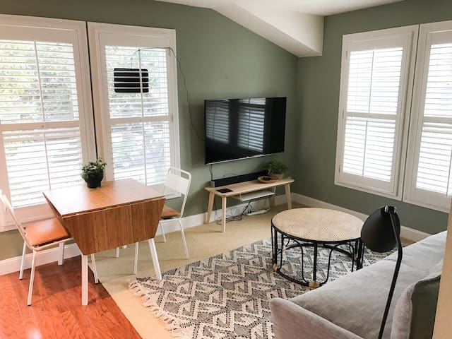 1 Bedroom downtown - Great for Business & Family - Palo Alto