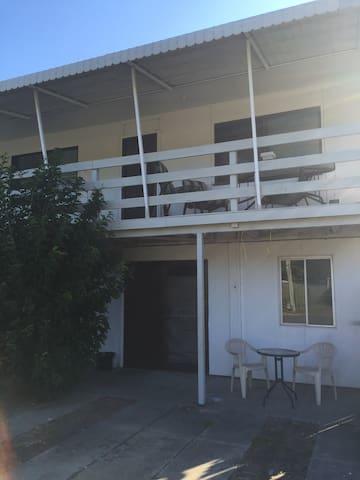 BEACHMERE: Three rooms,private unit - Beachmere