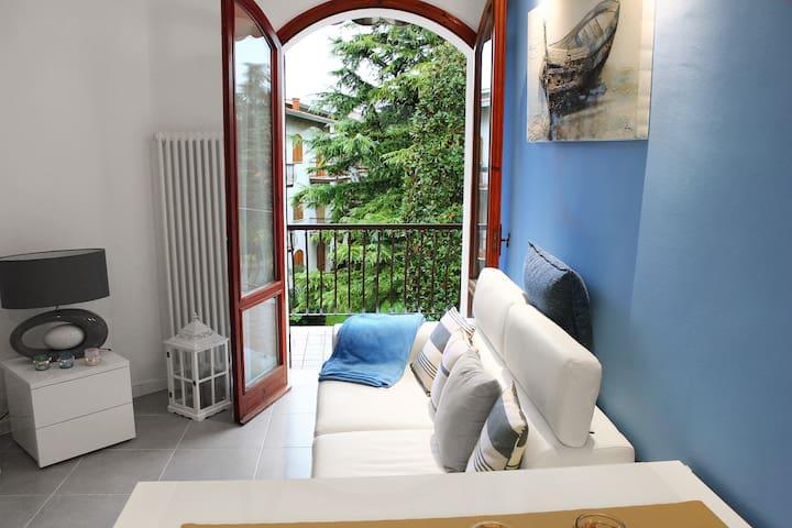 Ferienwohnung mit Strandnähe und hauseigenem Pool! - Peschiera del Garda - Apartmen