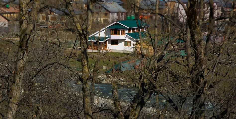 Luxury Cottage In Pahalgam - Pahalgam - Villa