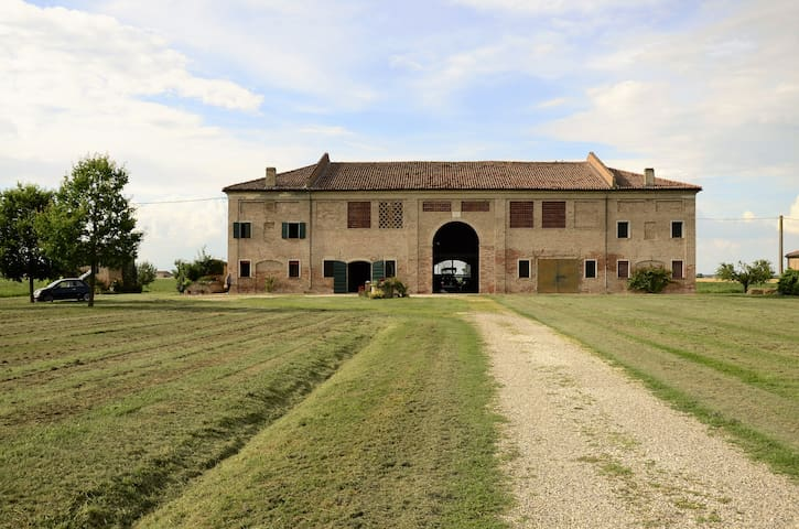 Country House - beauty, peace and essentiality - Provincia di Ferrara - Talo