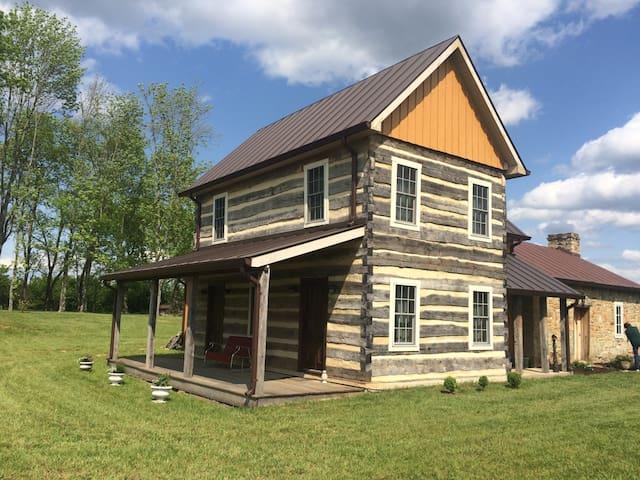 Commonwealth Park Log Home - Mitchells - Houten huisje
